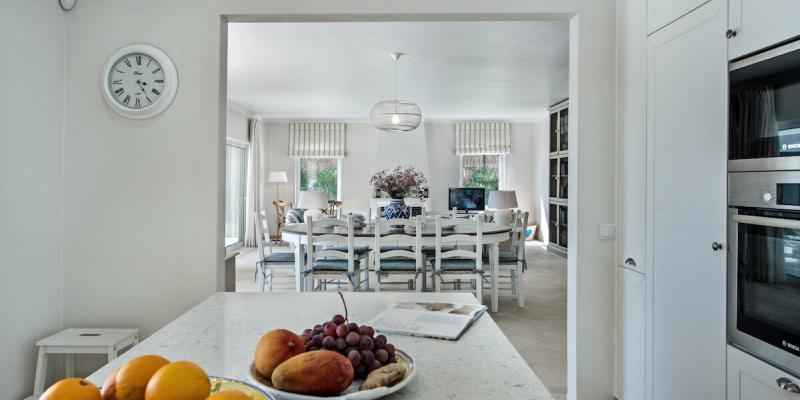 Kitchen and Dining area in Villa Florabella, Algarve