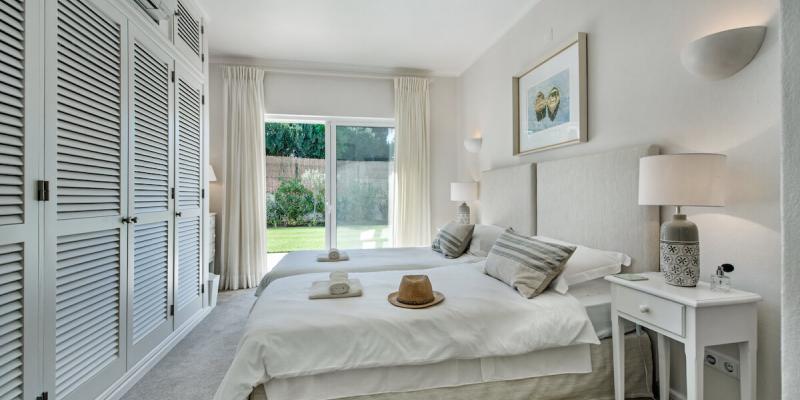 Twin Bedroom in Villa Florabella Luxury Accommodation in the Algarve