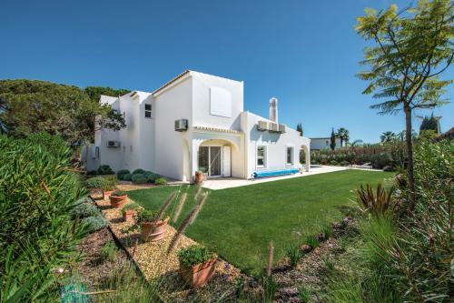 Villa Florabella, set in beautiful surroundings near Quinta do Lago, Algarve, Portugal