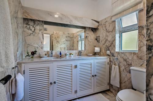 Luxury bathroom in Villa Florabella