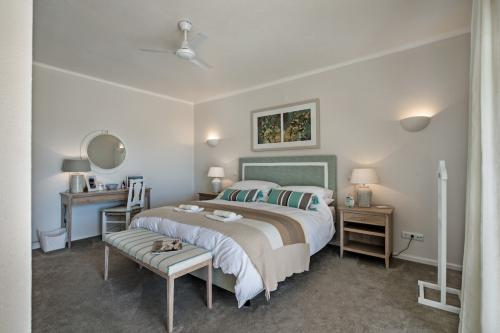 One of the double bedrooms at Villa Florabella in Algarve